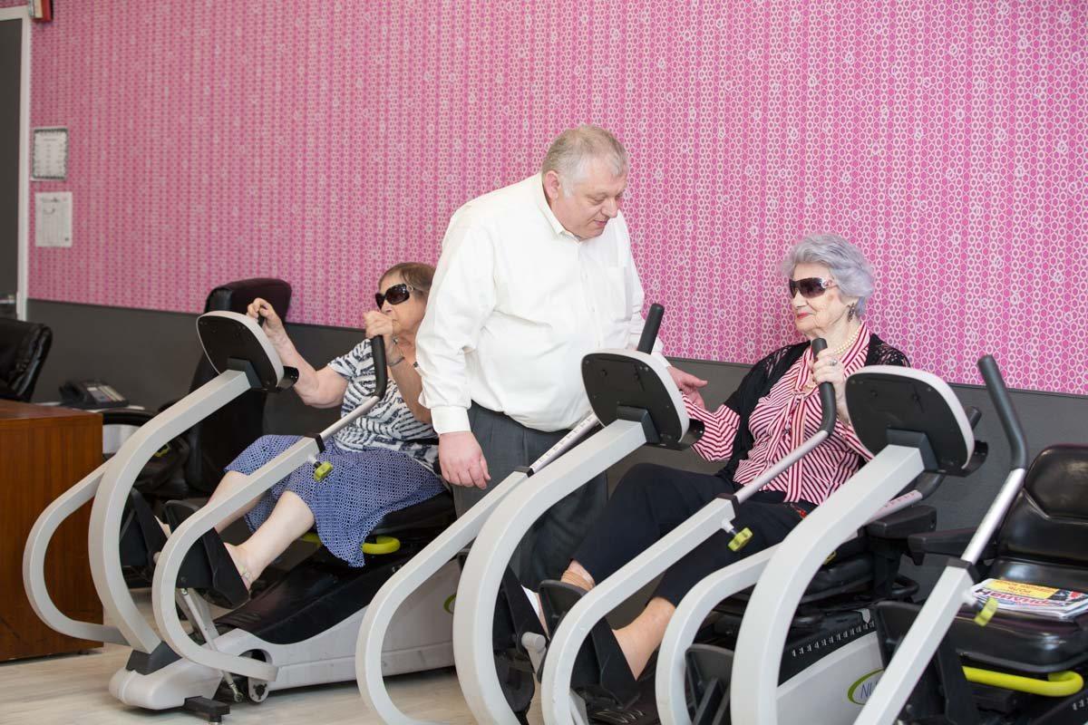 adult day care brooklyn new york senior occupational gym therapy rehabilitation