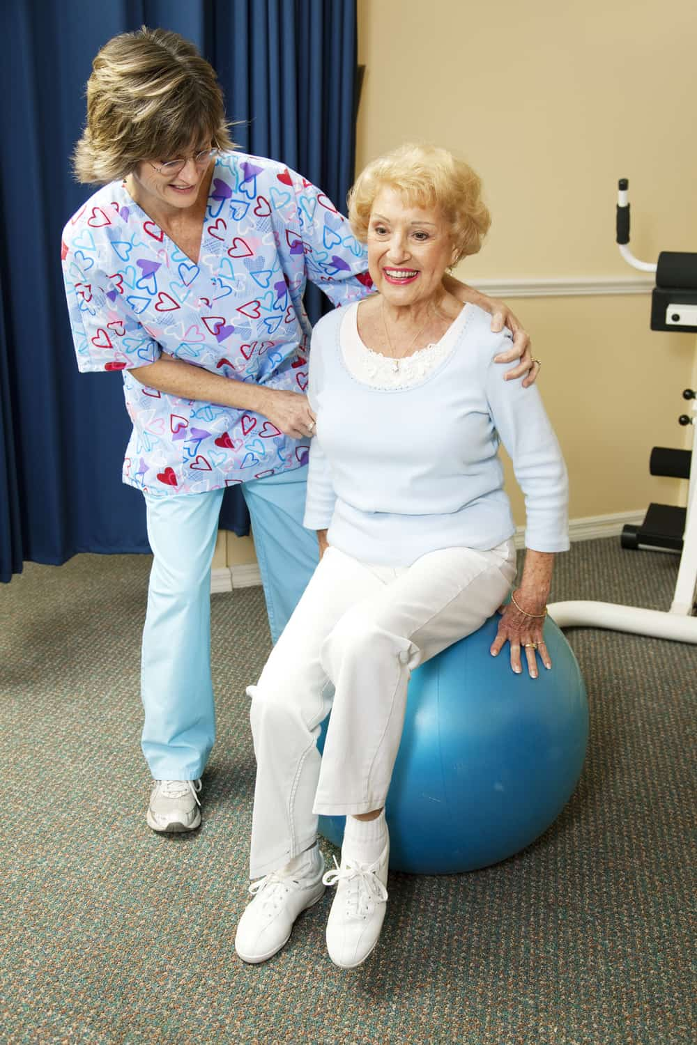 Physical therapy for the elderly adult day care daycare senior entertainment Brooklyn Yew York City