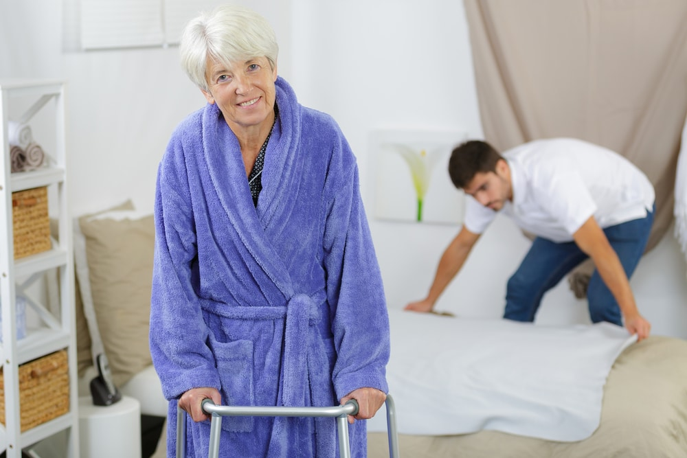 Patients learning how to avoid falls at home at the Facility