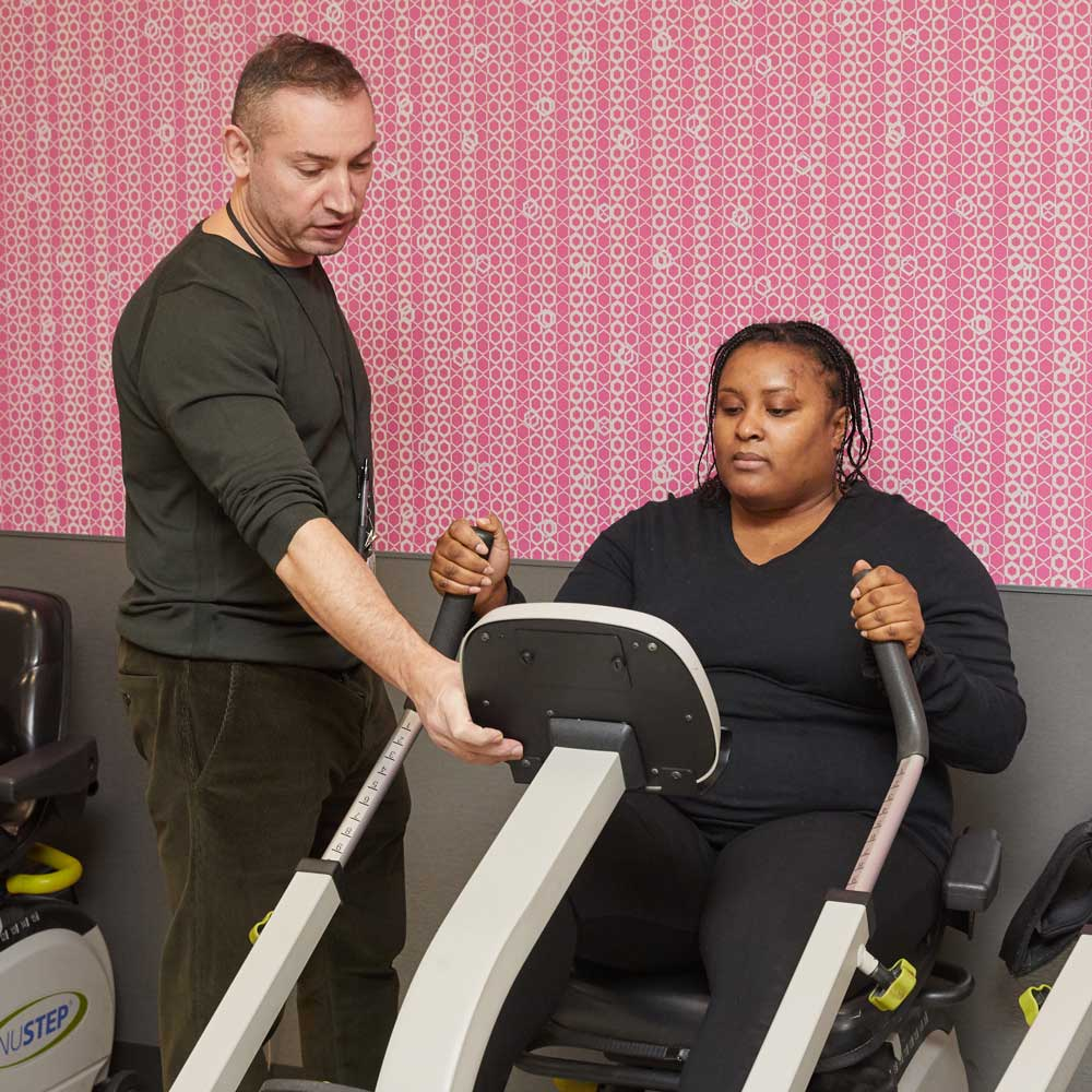 Black women getting physical therapy as a treatment of persistent pain
